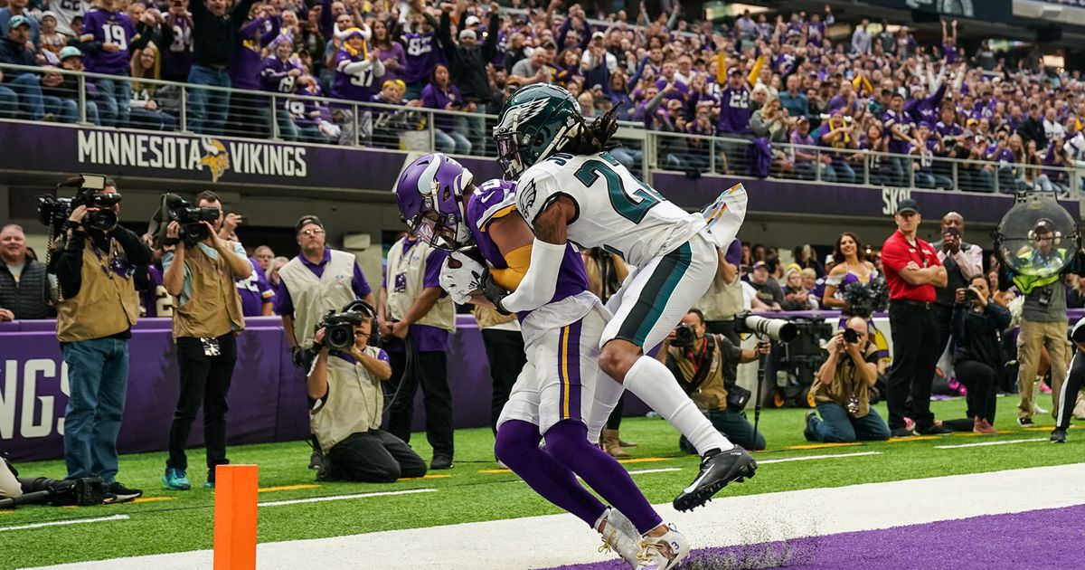 Philly not-so-special: Vikings crush Eagles 38-20